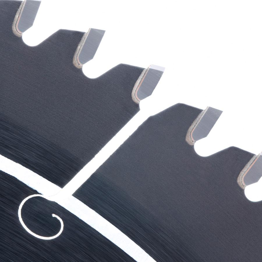 MA10080 Carbide Tipped Thin Kerf Non-Ferrous, Plastic & PVC Mamba Contractor Series 10 Inch Dia x 80T, TCG, -6 Deg, 5/8 Bore Circular Saw Blade